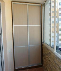 фото шкафа на балконе