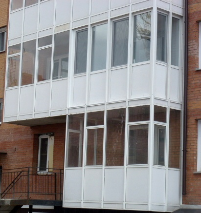 фото теплого остекления балкона